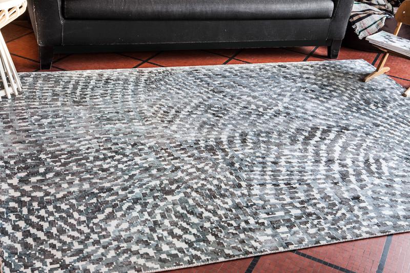 out of focus tapis serge lesage espace steiner design contemporain. Black Bedroom Furniture Sets. Home Design Ideas