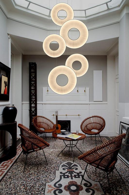 suspension iris dix heures dix espace steiner design contemporain. Black Bedroom Furniture Sets. Home Design Ideas