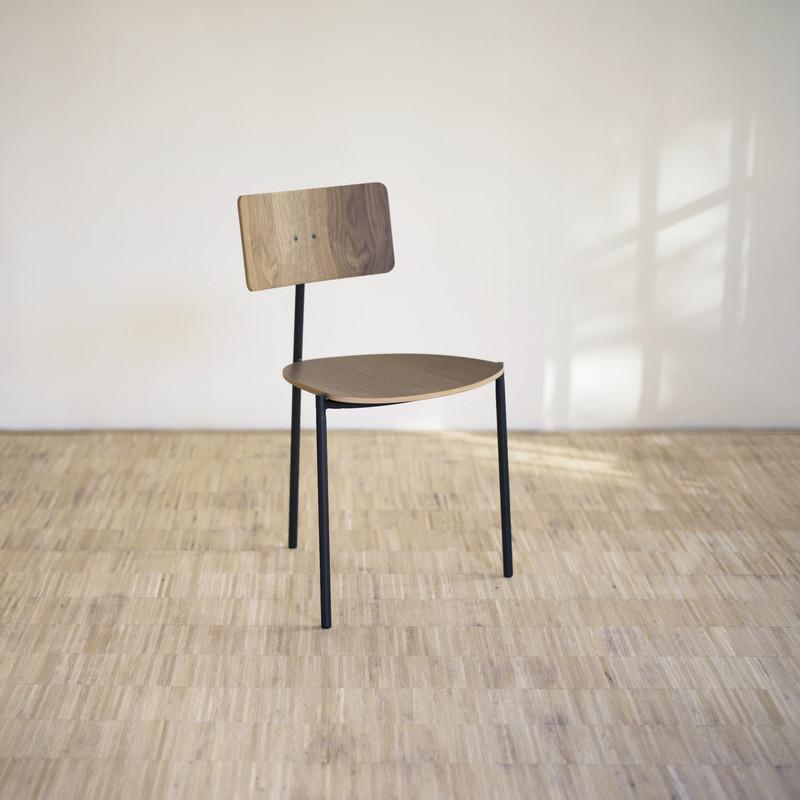 existentialiste chaise extranorm espace steiner design contemporain. Black Bedroom Furniture Sets. Home Design Ideas